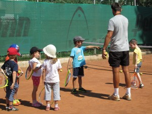 Tennis classes in the summer